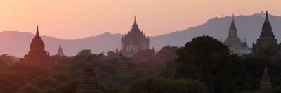 View Towards Old Bagan, with Ananda Temple Pagoda and Thatbyinnyu Temple at Sunset, Bagan (Pagan) by Stephen Studd