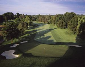 Oak Hill Country Club East Course, Hole 18 by Stephen Szurlej