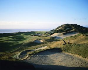 Pacific Dunes Golf Course, Hole 13 by Stephen Szurlej