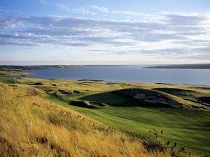 Sutton Bay Golf Club, Hole 15 by Stephen Szurlej