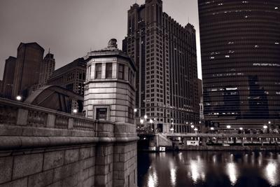 Chicago River Bridgehouse