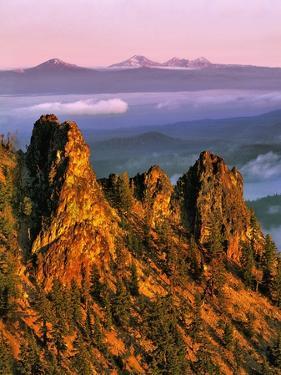 Morning Light on Paulina Peak by Steve Terrill
