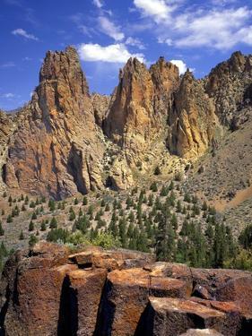 Smith Rock, Oregon by Steve Terrill