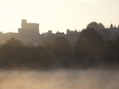 England, Berkshire, Windsor, Windsor Castle and River Thames at Dawn by Steve Vidler