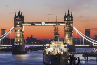 England, London, Tower Bridge at Dawn by Steve Vidler