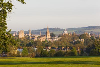 England, Oxfordshire, Oxford, City Skyline by Steve Vidler