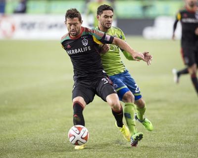2014 MLS Western Conference Championship: Nov 30, Galaxy vs Sounders - Lamar Neagle, Dan Gargan by Steven Bisig