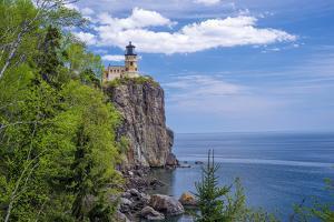 Split Rock Lighthouse, Lake Superior by Steven Gaertner