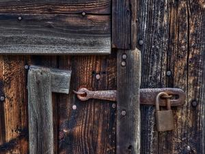 Door Lock and Latch by Steven Maxx