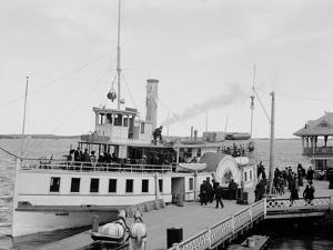Str. Islander at Frontenac Wharf, Round Island, N.Y.