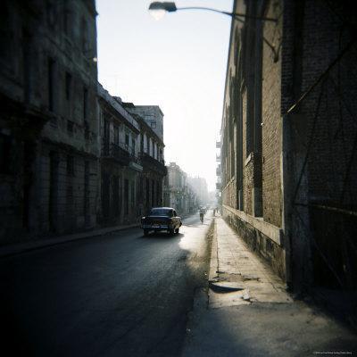https://imgc.allpostersimages.com/img/posters/street-scene-with-old-american-car-havana-cuba-west-indies-central-america_u-L-P2QT150.jpg?p=0