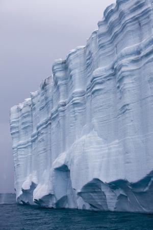 https://imgc.allpostersimages.com/img/posters/striated-face-of-brasvellbreen-glacier-on-nordaustlandet_u-L-PZNG1X0.jpg?p=0