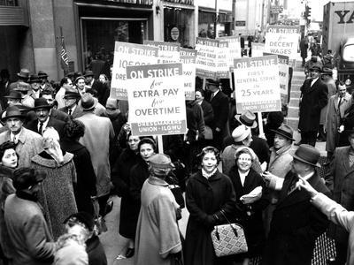 https://imgc.allpostersimages.com/img/posters/striking-members-of-the-international-lady-garment-workers-union-ilgwu-picket-on-7th-ave_u-L-Q10OKOT0.jpg?p=0