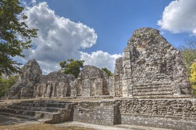https://imgc.allpostersimages.com/img/posters/structure-i-chicanna-mayan-archaeological-site_u-L-PWFLQ80.jpg?artPerspective=n