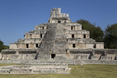 https://imgc.allpostersimages.com/img/posters/structure-of-five-floors-pisos-edzna-mayan-archaeological-site-campeche-mexico-north-america_u-L-PWFLPW0.jpg?artPerspective=n