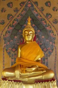 Gold Buddha Statue in Wat Arun (The Temple of Dawn), Bangkok, Thailand, Southeast Asia, Asia by Stuart Black