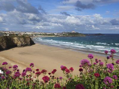 Great Western Beach, Newquay, Cornwall, England by Stuart Black