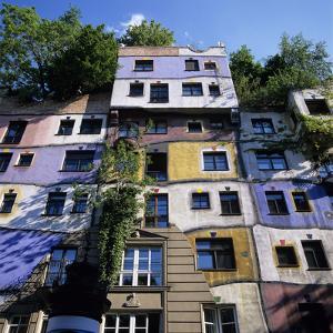 Hundertwasserhaus (Antitraditional Architecture), Vienna, Austria, Europe by Stuart Black