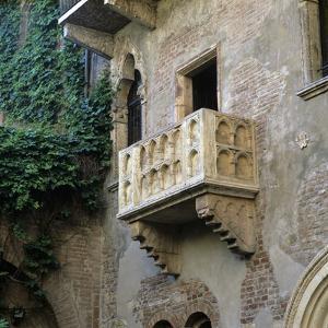 Juliet's Balcony, Verona, UNESCO World Heritage Site, Veneto, Italy, Europe by Stuart Black