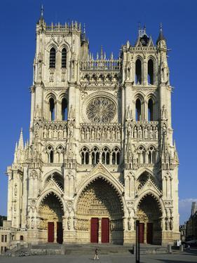 Notre Dame Cathedral, UNESCO World Heritage Site, Amiens, Picardy, France, Europe by Stuart Black