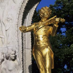 Statue of Johann Strauss, Stadtpark, Vienna, Austria, Europe by Stuart Black