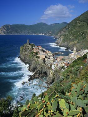 View over Village on the Riviera Di Levante, Vernazza, Cinque Terre, UNESCO World Heritage Site, Li by Stuart Black