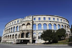 Pula Arena, a Roman Amphitheatre, Constructed from 27BC to 68Ad, Pula, Istria, Croatia, Europe by Stuart Forster