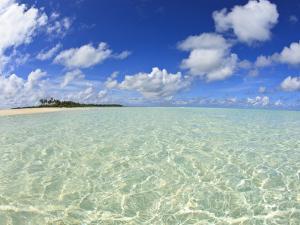 Kadhdhoo Island, Laamu Atoll, Southern Maldives, Indian Ocean by Stuart Westmorland