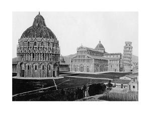 Cathedral Square (Piazza Del Duomo) in Pisa by Süddeutsche Zeitung Photo