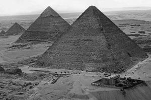 Egyptian Pyramids, 1930s by Süddeutsche Zeitung Photo
