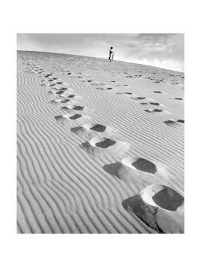 Footprints in the Sand, 1939 by Süddeutsche Zeitung Photo