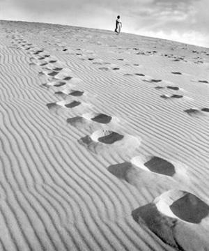 Footprints in the Sand, 1939 by Süddeutsche Zeitung Photo