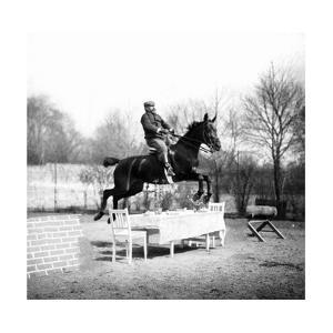 Jump over a Table, 1907 by Süddeutsche Zeitung Photo
