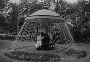 Mushroom-Fountain at Palace Petergof, 1913 by Süddeutsche Zeitung Photo