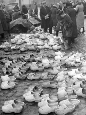 Timber Shoe Market in Memel, 1939 by Süddeutsche Zeitung Photo