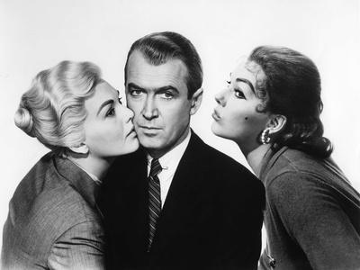 https://imgc.allpostersimages.com/img/posters/sueurs-froides-vertigo-by-alfredhitchcock-with-james-stewart-and-kim-novak-1958-b-w-photo_u-L-Q1C231B0.jpg?artPerspective=n