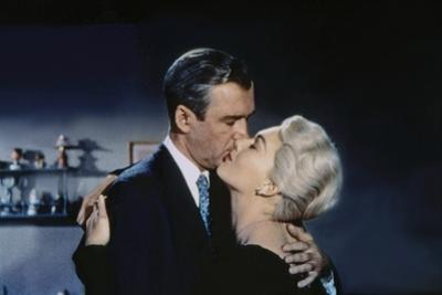 Sueurs Froides VERTIGO by AlfredHitchcock with James Stewart and Kim Novak, 1958 (photo)