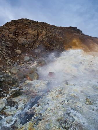 https://imgc.allpostersimages.com/img/posters/sulfur-hole-of-krisuvik-reykjanes-headland-iceland_u-L-Q11YT2I0.jpg?p=0