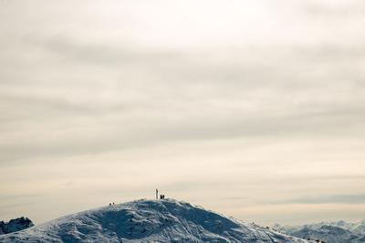 https://imgc.allpostersimages.com/img/posters/summit-cross-steinplatte-mountain-near-reit-im-winkl-chiemgau_u-L-Q1EYECP0.jpg?artPerspective=n