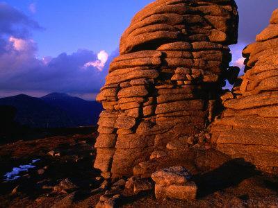 https://imgc.allpostersimages.com/img/posters/summit-tor-on-slieve-binnian-mourne-mountains-down-northern-ireland_u-L-P3SC350.jpg?p=0