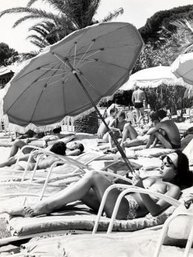 """Sunbathing in the """"60S"""