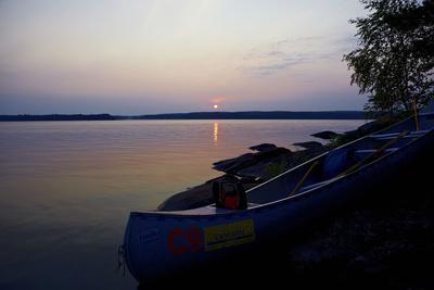 https://imgc.allpostersimages.com/img/posters/sundown-lelang-lake-dalsland-sweden_u-L-Q1EYJ320.jpg?artPerspective=n
