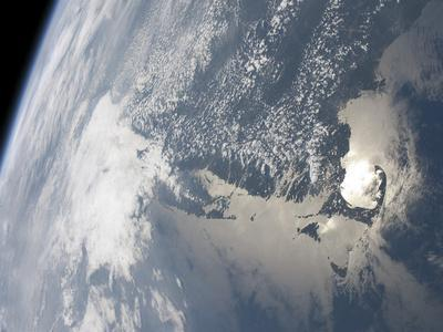 https://imgc.allpostersimages.com/img/posters/sunglint-on-the-waters-of-earth_u-L-PJ23I40.jpg?artPerspective=n