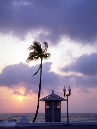 https://imgc.allpostersimages.com/img/posters/sunrise-at-ft-lauderdale-beach-florida-usa_u-L-P42NZ90.jpg?p=0