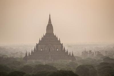 https://imgc.allpostersimages.com/img/posters/sunrise-at-sulamani-buddhist-temple-bagan-pagan-ancient-city-myanmar-burma-asia_u-L-Q12SAJV0.jpg?p=0