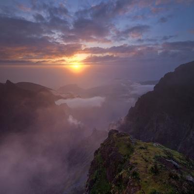 https://imgc.allpostersimages.com/img/posters/sunrise-at-the-miradouro-ninho-da-manta-arieiro-madeira-portugal_u-L-Q11YU5U0.jpg?p=0