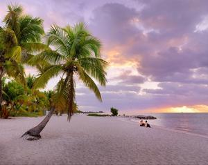 Sunrise on Smathers Beach in Key West, Florida Keys, Florida, USA