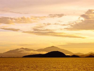 https://imgc.allpostersimages.com/img/posters/sunrise-over-langkawi-island-malaysia-southeast-asia-asia_u-L-P91VDB0.jpg?p=0