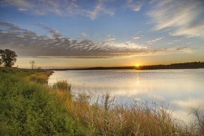 https://imgc.allpostersimages.com/img/posters/sunrise-over-wetlands-at-arrowwood-nwr-north-dakota-usa_u-L-PXR78D0.jpg?p=0