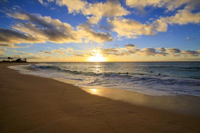 https://imgc.allpostersimages.com/img/posters/sunrise-sandy-beach-park-kai-oahu-hawaii_u-L-Q1D0PSY0.jpg?p=0